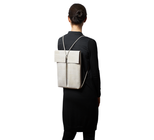 burggrafburggraf-corkcollection-backpack-proportion-image-como-lightgrey-perspective