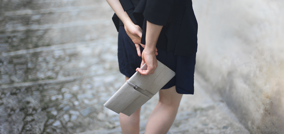 burggrafburggraf-lookbook-clutch-reto-lightgrey