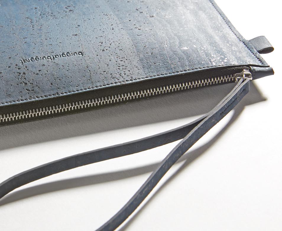 burggrafburggraf-product-image-uma-navy-detail-zipper